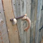 Poignée de porte en bois